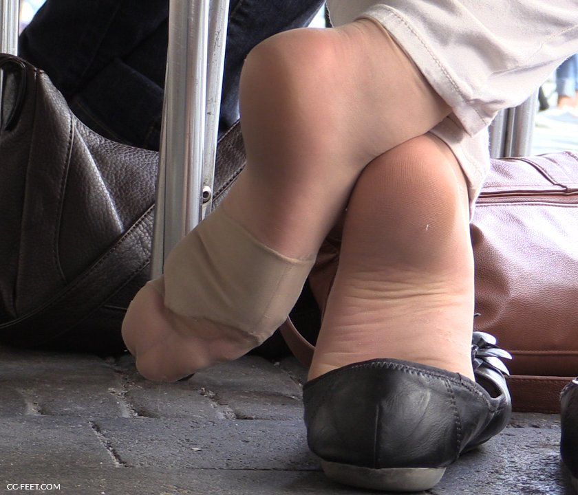 image Joi sweaty nylon feet