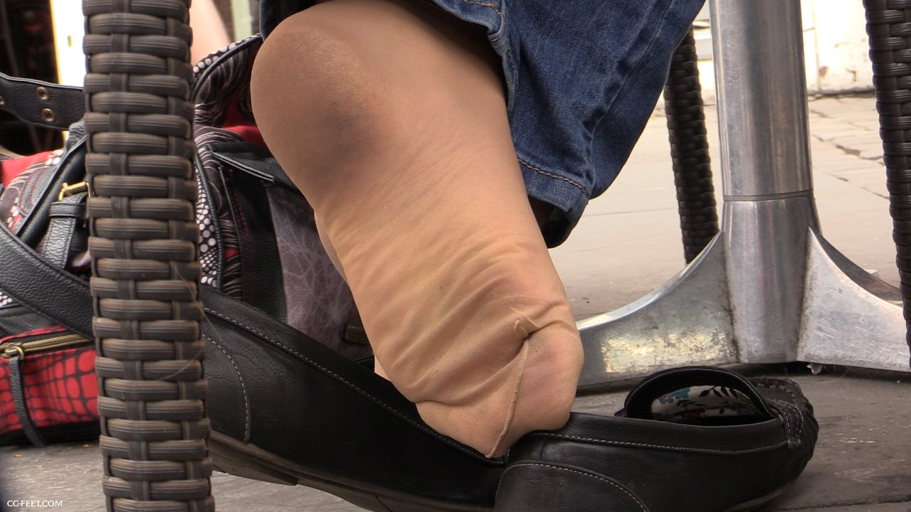 Candid shoeplay feet and legs in black nylons 10