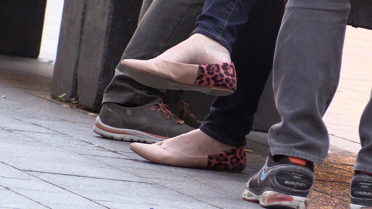 174 The Dangling Asian Cc Feet Com